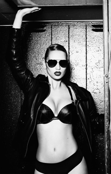Marlies Dekkers - ROCK OUT!